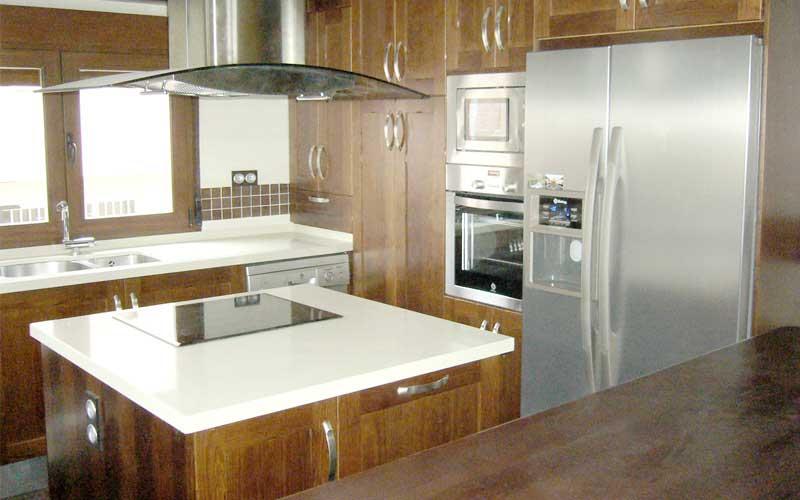Muebles de cocina de madera carpinter a ebanisteria for Dimensiones isla cocina