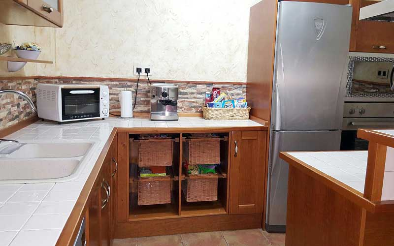 Muebles de cocina de madera. Carpintería ebanisteria ...