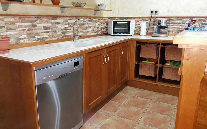 Muebles de cocina de madera carpinter a ebanisteria - Azulejos cocinas rusticas ...