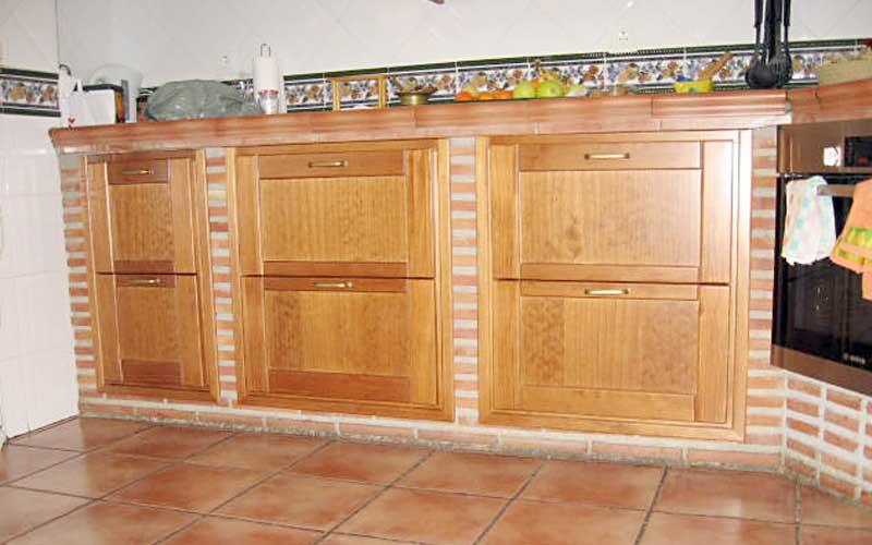 Imagenes de muebles para cocina de madera tallada for Cocinas de obra
