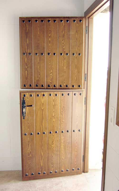 Muebles de madera exterior carpinter a y ebanisteria - Puerta rustica exterior ...