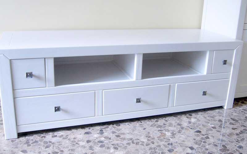Muebles bajos para salon muebles bajos para salon for Mueble para tv blanco